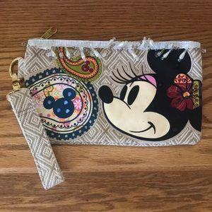 BNWOT 🌺🌵original Disney gypsy bohemian wristlet